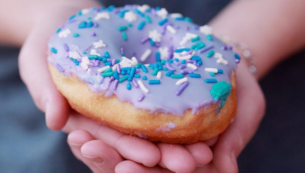 10 alimentos a evitar para que tus dientes luzcan sanos